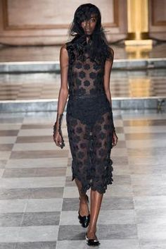 Simone Rocha Spring 2015 Ready-to-Wear Fashion Show: Complete Collection - Style.com