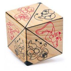 """Aktions Würfel """"Wuffi"""" - Auf 6 Seiten des Holzwürfels werden von """"Wuffi"""" 12 verschiedene Übungen gezeigt, die die Mitspieler mit vollem Körpereinsatz nachmachen sollen! ca. 7,5 x 7,5 x 7,5 cm"""