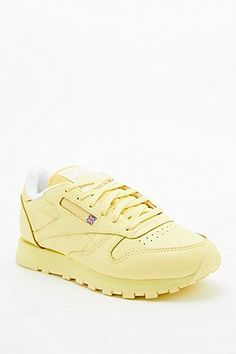 Reebok Classic Leather Trainers in Yellow
