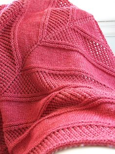 Free knitting pattern for a textured triangle shawl Easy Peazy Shawl by Megan Delorme and more free knitting patterns for textured shawls at http://intheloopknitting.com/textured-shawl-knitting-patterns/
