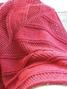 Gorgeous shawl! Easy Peazy Shawl - free pattern by Megan Delorme