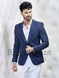 Exquisite navy blue color shawl lapel imported fabric blazer with pockets. Item Code:TSJY1463L http://www.bharatplaza.com/new-arrivals/mens-blazer.html