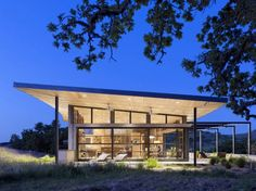 This spectacular modern ranch house was designed by San Francisco-based firm Feldman Architecture, nestled on softly rolling hills in the Santa Lucia Preserve, in Carmel, California. Architecture Design, Residential Architecture, Green Architecture, Commercial Architecture, Sustainable Architecture, California Architecture, Canopy Architecture, Santa Lucia, Nachhaltiges Design