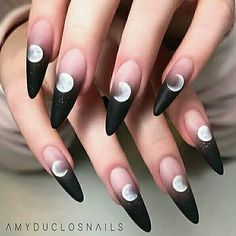 Really searching for latest nail art designs to show off in this year? If yes then we've posted here amazing colorful black and pink long nails designs for more cute nails look in year Ongles Gel Halloween, Halloween Acrylic Nails, Best Acrylic Nails, Acrylic Nail Designs, Painted Acrylic Nails, Halloween Coffin, Black Nail Designs, Halloween Ideas, Edgy Nails