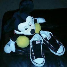 FLASH SALE Infant/Toddler Black Levi's REG. $18 Infant/Toddlers Levi's black & white hightop shoes. Made like converse. Barely worn. Need shoe strings. Levi's Shoes