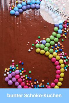 bunter Schokokuchen zum Kindergeburtstag für den dritten Geburtstag #rezept #kindergeburtstag #schnellerkuchen Pinterest Blog, Food Design, Ale, Pastel, Cookies, Sweet, Desserts, Recipes, Kids