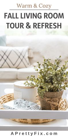 Tour a fresh and modern fall living room with soft and natural accessories that mix vintage and modern decor. Get a Pinterest-worthy look for your living room, family room or great room (source list included). #falldecorideas #fallhometour #livingroomdecor #neutrallivingroomdecor #scandinavianinterior #modernfarmhouselivingroom #cozylivingroom