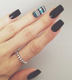 Glossy black with pattern accent nail.