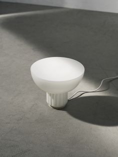 Menu The Standard Table Lamp by Sylvain Willenz