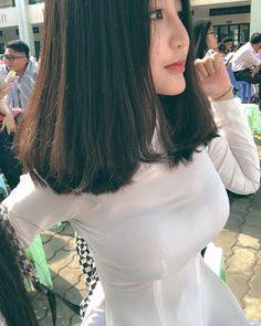 Korean Girl Fashion, Women's Fashion, Vietnam Girl, Beautiful Asian Women, Ao Dai, White Girls, Sweet Girls, Traditional Dresses, Sexy Dresses