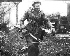 Soldier of the eibstandarte (veteran) with his STG44