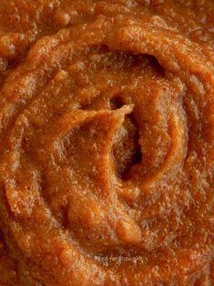 Η καραμέλα από χουρμάδες είναι ένα πολύ γλυκό παρασκεύασμα από χουρμάδες, ακριβώς  το τέλειο υγιεινό υποκατάστατο της κλασικής... Apple Pie, Caramel, Cooking, Desserts, Food Ideas, Sticky Toffee, Kitchen, Tailgate Desserts, Apple Cobbler