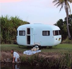 Dreamy van + our roundie //online now www.thebeachpeople.com.au @Sunday threds goodness too x