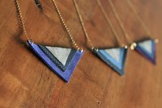Colliers triangles cuir