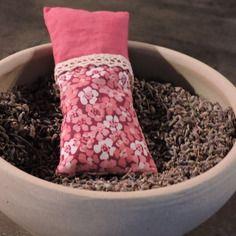 Sachet de lavande en tissu coton fleurs et uni