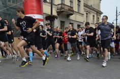 Łódź Business Run 6.09.2015 - Biznesowy bieg charytatywny w formie sztafety, który rozpoczyna się jednocześnie w różnych miastach Polski. #sportowelodzkie Running, Sports, Racing, Hs Sports, Keep Running, Sport, Jogging, Lob, Exercise