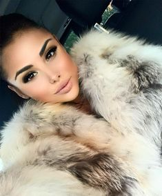 Fox Fur Coat, Fur Coats, Absolutely Stunning, Faux Fur, Furs, Sexy Women, Lady, Womens Fashion, Instagram Posts