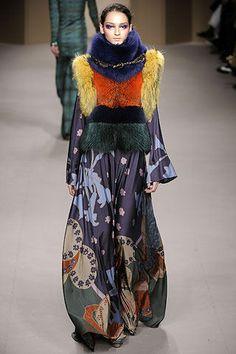 Rifat Ozbek International Fashion Designer http://rifatozbekfashion.blogspot.com.tr/