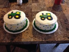 Tractor smash cakes