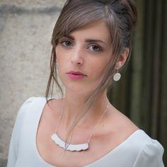 Vesna Garic | Bijoux d'élégance en porcelaine Collier et boucles d'oreilles Galine. Dentelle gravée dans la porcelaine