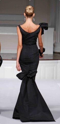 Oscar de la Renta...fabulous forever fashion!