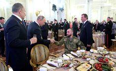 Приём по случаю Дня Героев Отечества   Владимир Путин выступил на Торжественном приёме по случаю Дня Героев Отечества.   14 декабря 2017 года 16:30   http://www.kremlin.ru/events/president/news/56379/photos