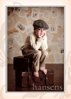 0127b738e58c5 Childhood Photo Session Inspiration Idea Child Kid Daughter Son Girl Boy  Family parents Outside Outdoors Field