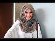 Tutorial Hijab Simple Trendy Segi Empat Ala Zaskia Adya Meca
