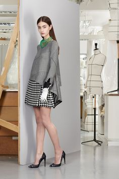 Pattern mixing isn't my fav but the hi/low shirt jacket against the skirt is fetching. Dior Pre-Fall 2013