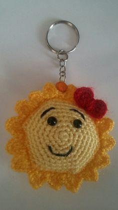 Crochet Keychain, Crochet Earrings, Small Gifts For Girlfriend, Free Crochet, Knit Crochet, Romantic Gifts For Her, Cute Gifts, Free Pattern, Crochet Patterns