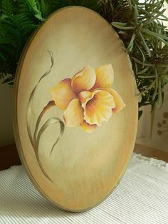Daffodil on an oval plaque by Esther of Art at Home Studio, via Flickr