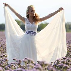 0d24e2352b3f Svadobné šaty s elastickým živôtikom a kruhovou tylovou sukňou   Dyona
