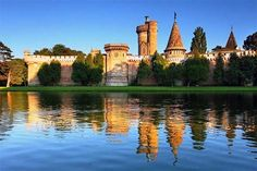 Franzensburg, in the Schlosspark of Laxenburg Castle, Austria Vienna Austria, What A Wonderful World, Budapest, Wonders Of The World, Jogging, Places To See, How To Memorize Things, Mansions, House Styles