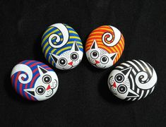 34 Wonderful Diy Painted Rocks Animals Cats For Summer Ideas. If you are looking for Diy Painted Rocks Animals Cats For Summer Ideas, You come to the right place. Here are the Diy Painted Rocks Anima. Pebble Painting, Pebble Art, Stone Painting, Diy Painting, Painting Quotes, Painting Videos, Light Painting, Rock Painting Patterns, Rock Painting Ideas Easy