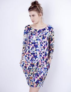 Sukienka `trójkąty`
