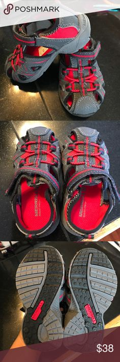 Stride rite boys sandal shoes BNWT. Velcro strap. Black grey and red. 5.5 wide. Perfect for summer, trips to the beach, even to go in the water! Stride Rite Shoes