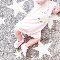 ouvelles sandales pour l'été en cuir ! Super légère, elle ne les sent même pas ! Et elles sont tellement #cute merci @prairymood ❣️❣️😍😍👌😗
