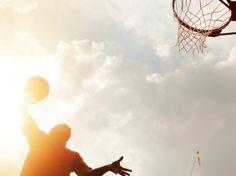 """Nos dias 21 e 22 de setembro acontece a sétima Virada Esportiva. Haverá mais de duas mil atividades em cerca de 200 locais espalhados por toda a cidade. No parque mais famoso de São Paulo, o Ibirapuera, acontecerá o Basquete Street 3x3, a oficina de tênis com o Instituto Patrícia Medrado e clinica de patins...<br /><a class=""""more-link"""" href=""""https://catracalivre.com.br/sp/agenda/gratis/virada-esportiva-parque-ibirapuera-com-basquete-street-3x3/"""">Continue lendo »</a>"""