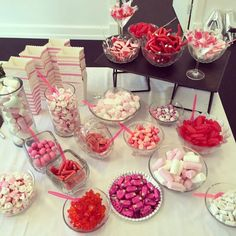 Sweet 16 Birthday, Teen Birthday, Diy Wedding Flower Centerpieces, Happy Home Fairy, Lindt Chocolate, Party Guests, For Your Party, Cupcake Cookies, Dessert Table