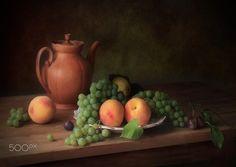 Still life with peaches and grapes by Tatiana Skorokhod on 500px