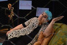 Inaugurazione Todi Festival, una città in festa celebra arte e teatro. Grande successo per la prima giornata della kermesse che ha visto il centro storico di Todi letteralmente invaso dal grande pubblico. Lungo le vie non sono mancate le celebrità