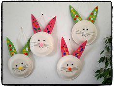 lapin de paques rempli de chocolat, lapin de paques en assiette en carton, bricolage enfant, paques