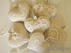 Сувенирные вязаные сердечки на День Святого Валентина. Схемы