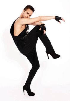 yanismarshall Throwback to when I was 20 years old and my first heels picture! Yanis Marshall, Tomboy Fashion, Mens Fashion, Mens Leotard, Mode Alternative, Alternative Fashion, Men In Heels, Style Masculin, Queen Fashion