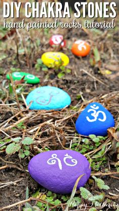 Do you want to learn cool ideas to make your own set of chakra stones? Our simple DIY hand painted rocks tutorial is easy to follow and we'll show you how to use them as inspirational and balancing decor for the garden.