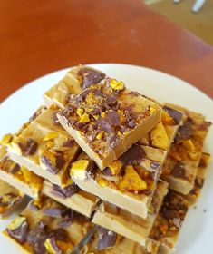 Lush caramilk chocolate fudge Fudge Recipes, Candy Recipes, Sweet Recipes, Snack Recipes, Dessert Recipes, Yummy Recipes, Snacks, Classic Desserts, Sweet Desserts