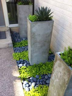 Adorable 65 Simple Clean Modern Front Yard Landscaping Ideas https://homevialand.com/2017/08/02/65-simple-clean-modern-front-yard-landscaping-ideas/