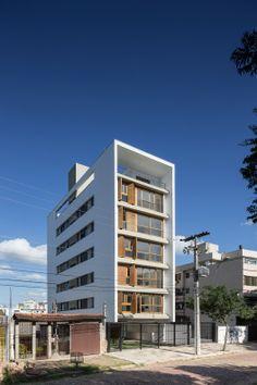 Plaza Municipal 47 / Arquitetura Nacional (Porto Alegre – Rio Grande do Sul, Brasil) #architecture