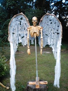 angel of death- i think i's put some sort of robe or soemthing to flush out the body, but good starting point!
