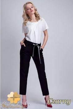 Eleganckie spodnie kobiece marki Lanti.  #cudmoda #moda #ubrania #styl #odzież #clothes #pants #hosen